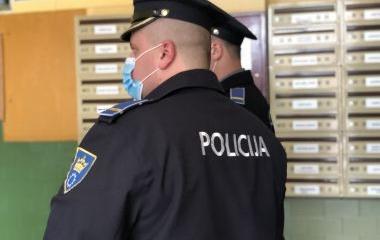 Policijski službenici Uprave policije MUP-a ZDK vrše kontrolu pridržavanja mjere kućne izolacije
