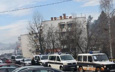 Uspješnom akcijom i policijskom potjerom lišeno slobode lice A.S., iz Tuzle, zbog otuđenja vozila  u Doboj Jugu